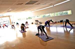 Yoga_Class_at_a_Gym3