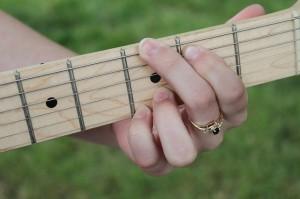 acoustic-guitar-474511_640