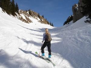 ski-tour-257008_640