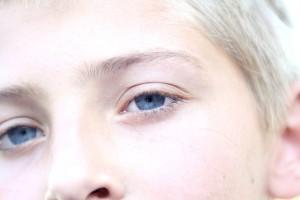 eyes-407382_640