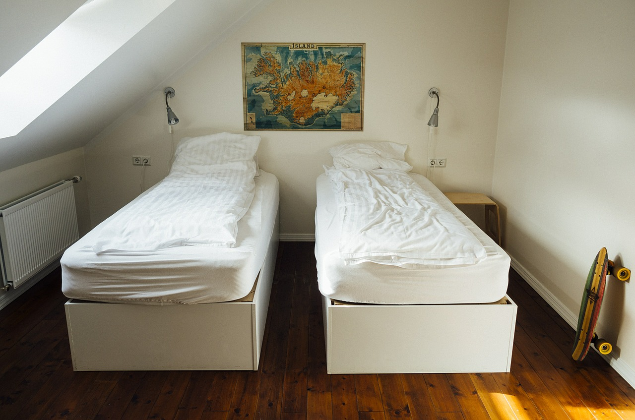 Image of bedroom for dorm living and bulimia recovery
